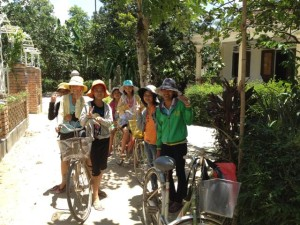 PHOTOS-HUE-2012-692--Small-